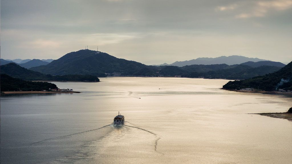 El hotel flotante que deslumbra en Japón: imágenes