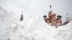 Moscú tuvo la nevada más importante de los últimos 100 años