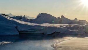 Este es el atractivo y estimulante video de seguridad de Air New Zealand filmado en la Antártida