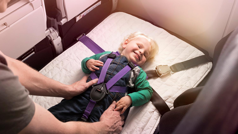 Una aerolínea que ofrece pasajes gratuitos para los niños