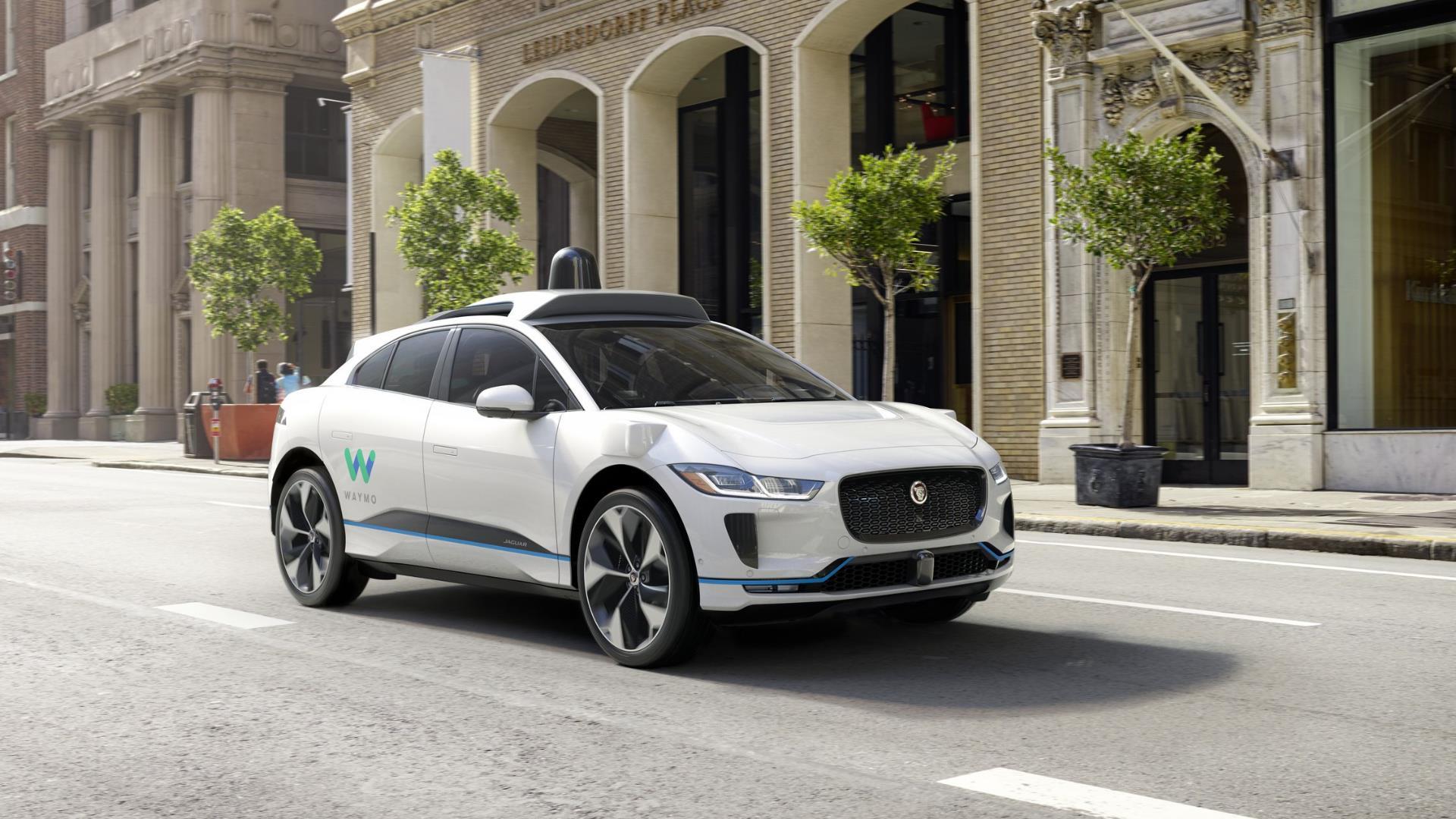 Uber quiere a los autos de Google sin conductor