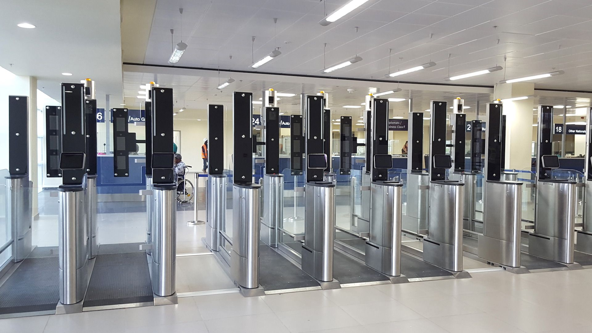 Ya se hacen migraciones en el aeropuerto de Ezeiza con tecnología biométrica