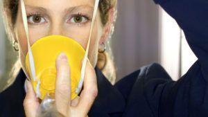 Los pasajeros no sabemos cómo usar las máscaras de oxígeno