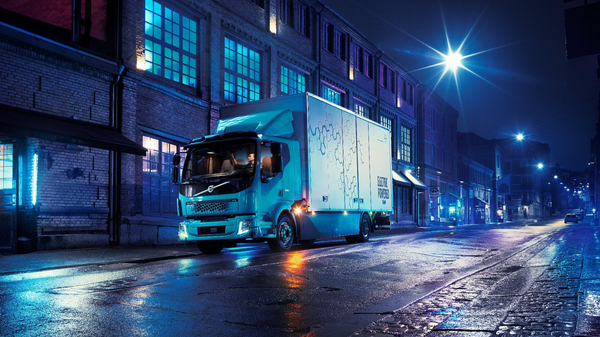 Volvo presentó sus primeros camiones eléctricos