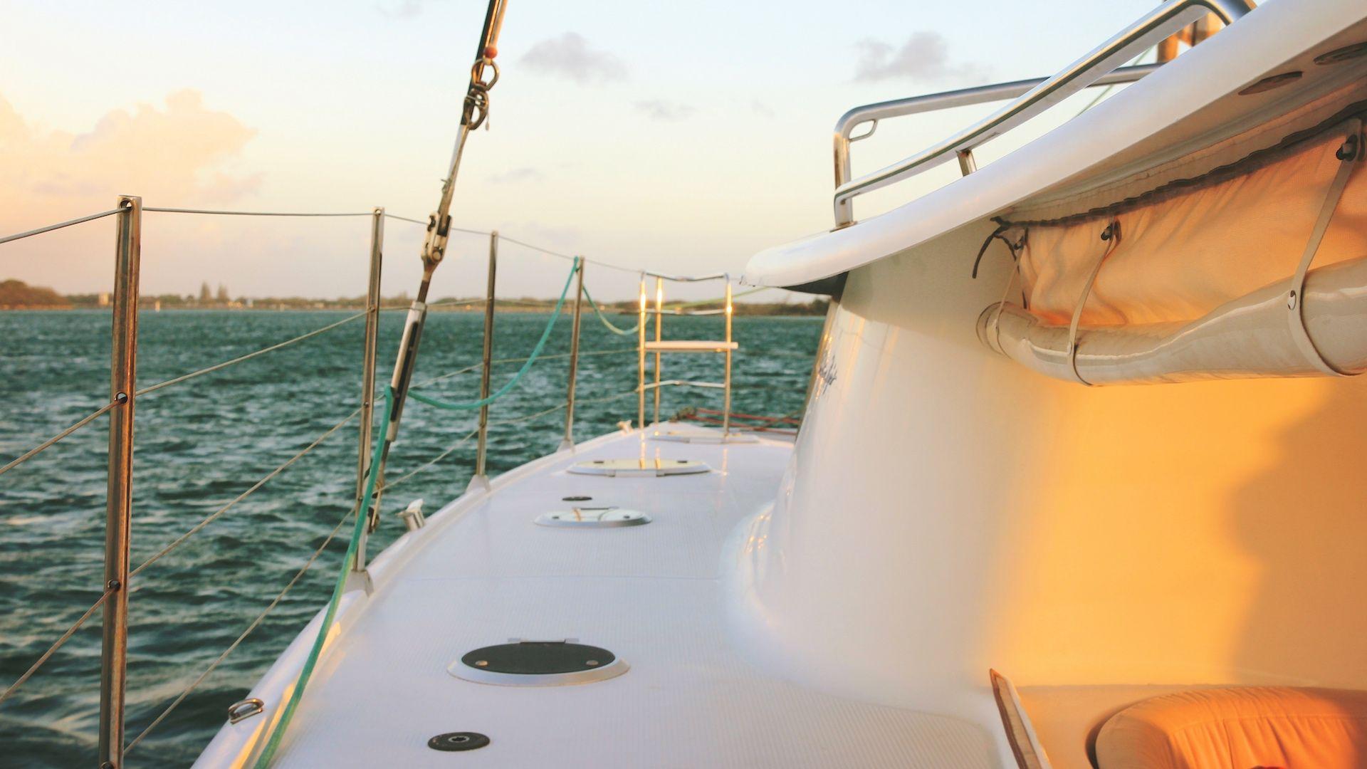 REVIEW Navegar en Gold Coast a bordo del velero de lujo Indigo: imperdible