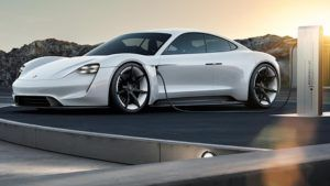 El primer deportivo eléctrico de Porsche se llamará Taycan: imágenes