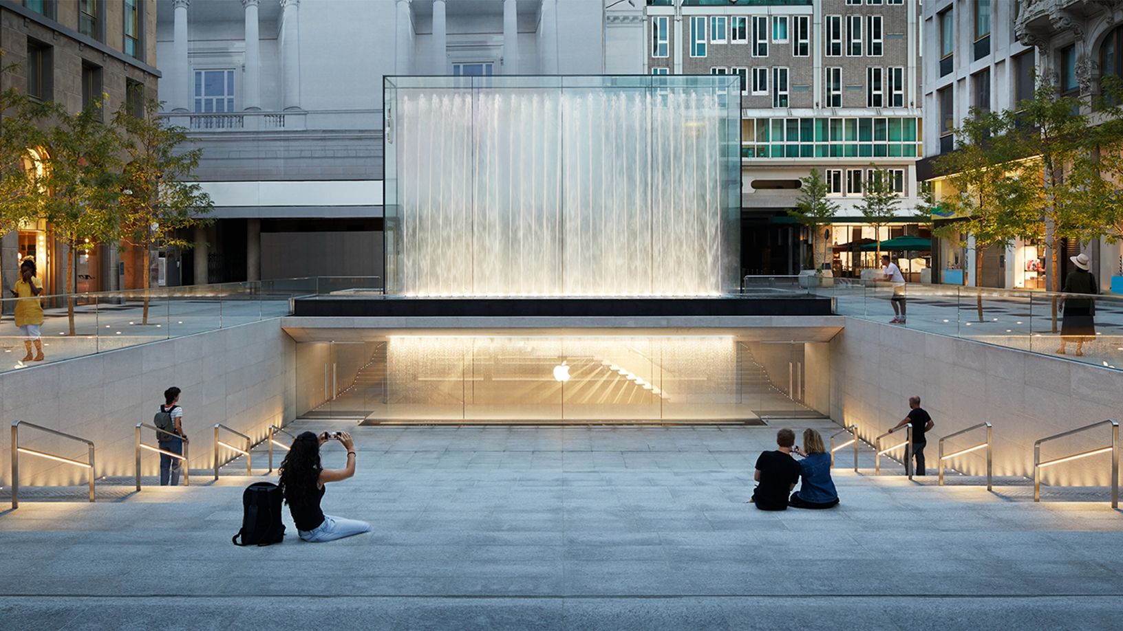 La nueva atracción en Milán es un Apple Store