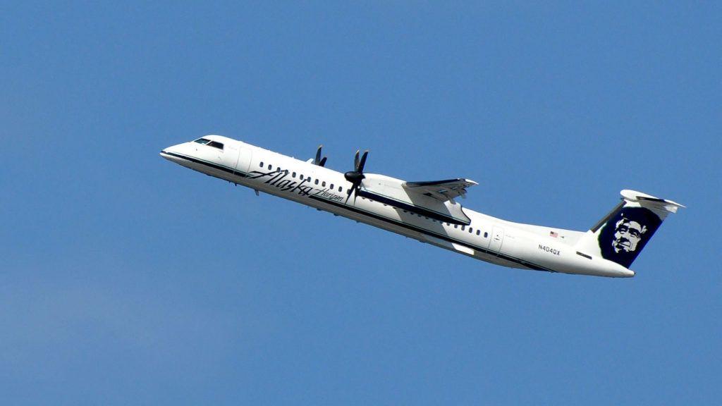 VIDEO Un empleado de Alaska Airlines roba un avión en Seattle y lo estrelló