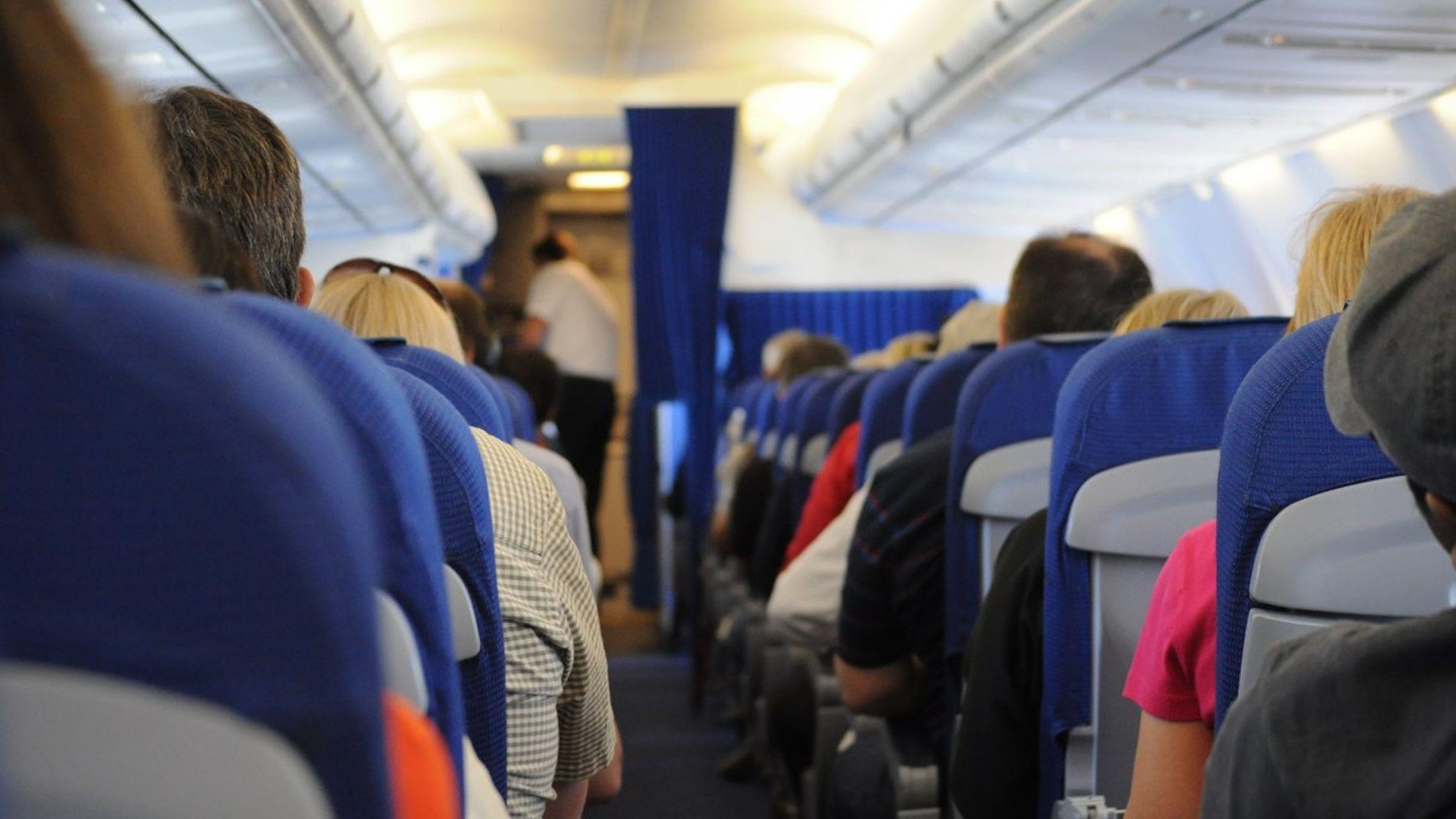 ¿Cuáles son los hábitos que más molestan a los viajeros? Depende del país