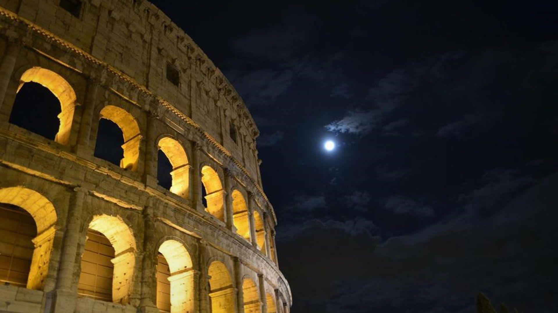 Visitar el Coliseo de noche es una nueva opción para hacer en Roma