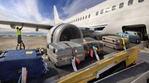 La low-cost que cobrará por cualquier equipaje que no quepa debajo del asiento