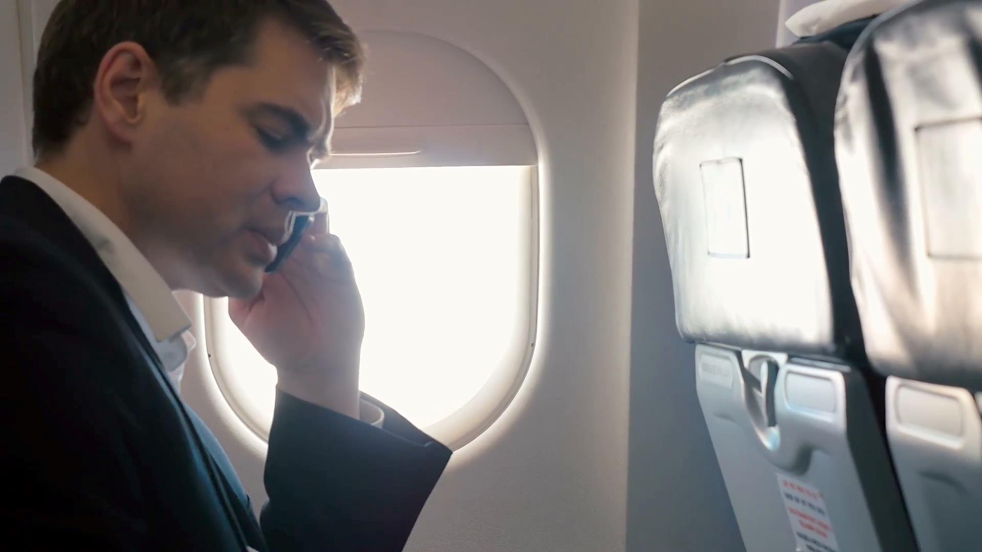 Llamadas telefónicas en el avión. ¿Sí o no?