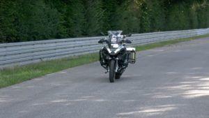 BMW presentó su primera moto autónoma: video