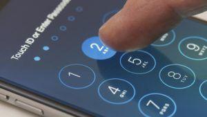 Nueva Zelanda podría multarnos con US$ 3 mil si no desbloqueamos el teléfono