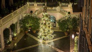 Este es el árbol de Navidad más lujoso de Roma