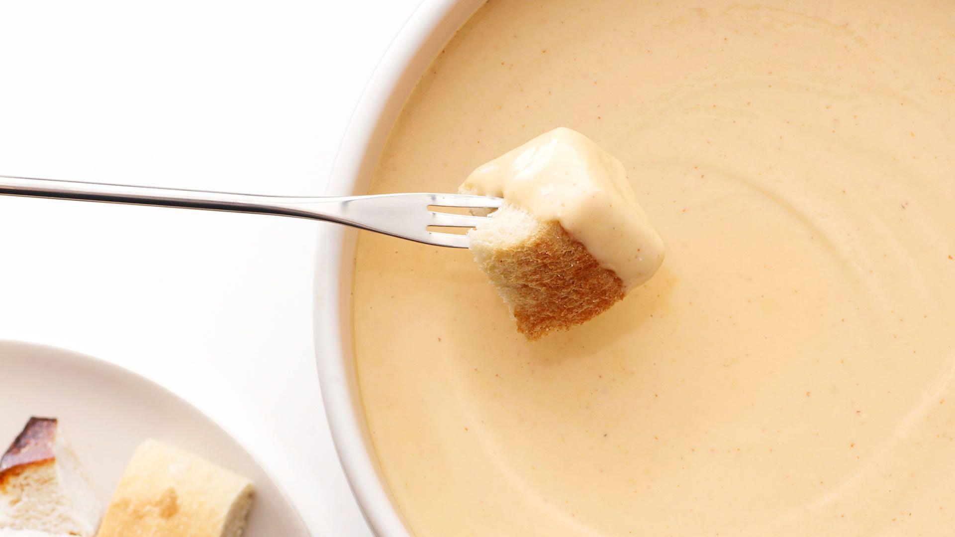 Ahora podemos comer fondue de queso en el avión cuando nos vamos de Suiza