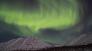 El tren expreso Luces del Norte recorre Rusia buscando la aurora boreal