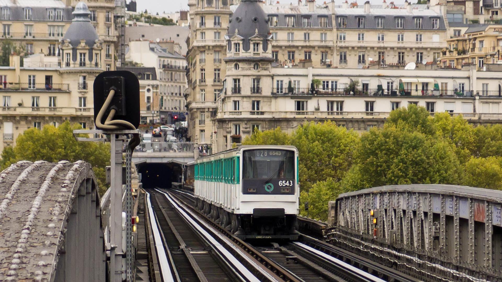 Viajar en metro o bus en París será gratis para los menores de 11 años