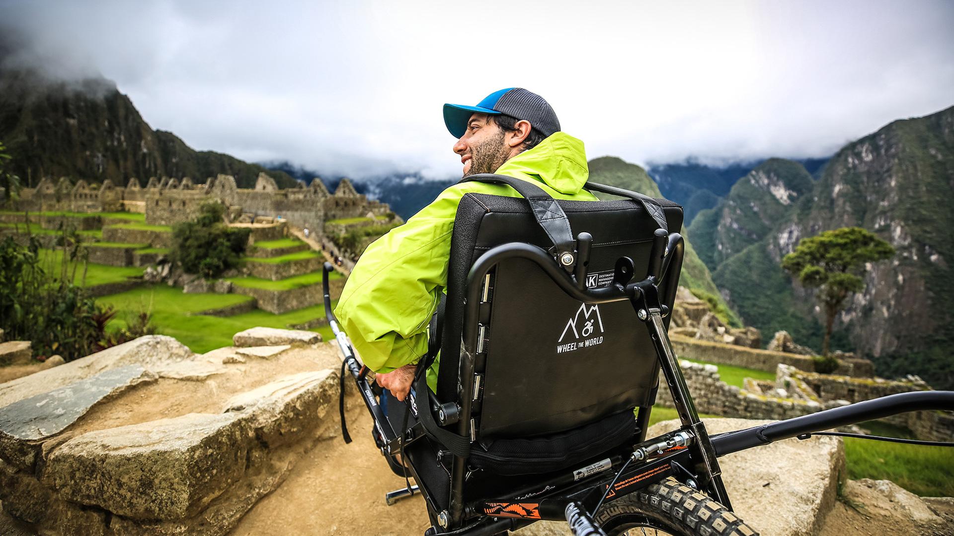 Quienes usan sillas de rueda también pueden hacer tours en Machu Picchu