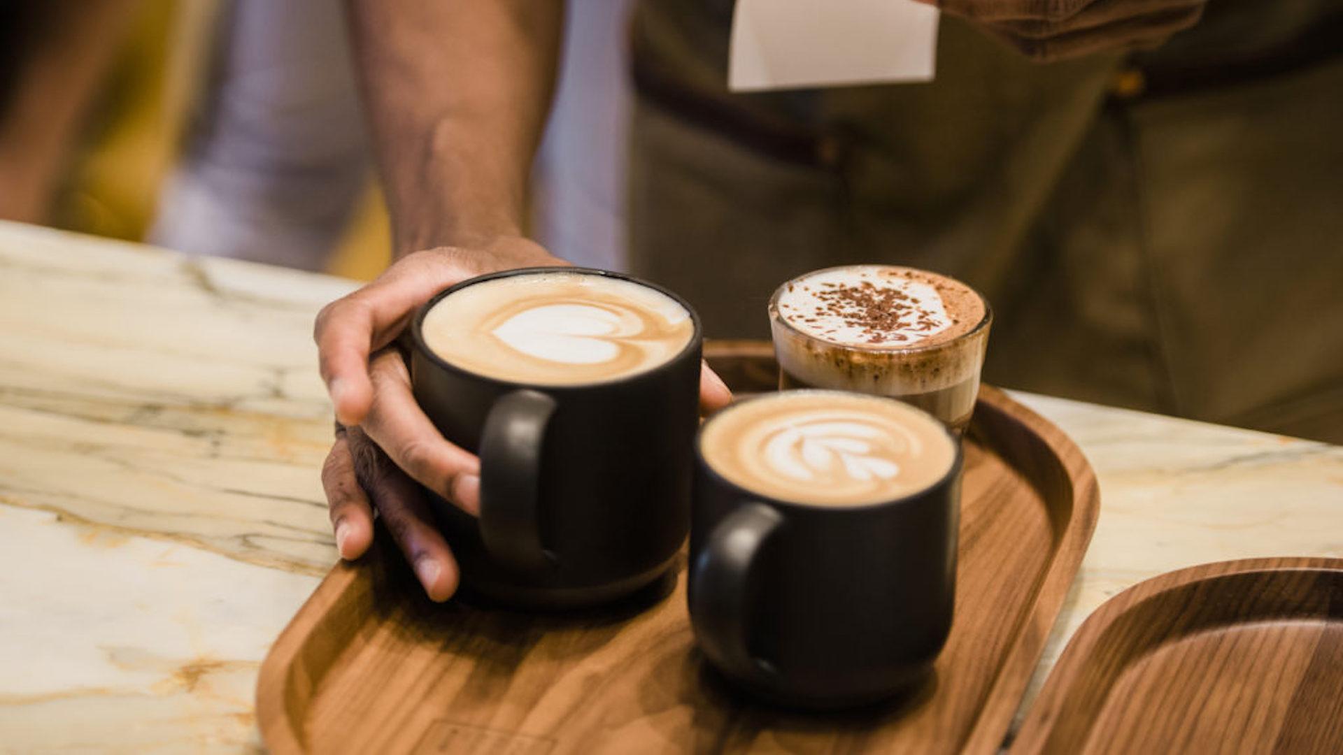 Abre la primera cafetería de Starbucks en Roma