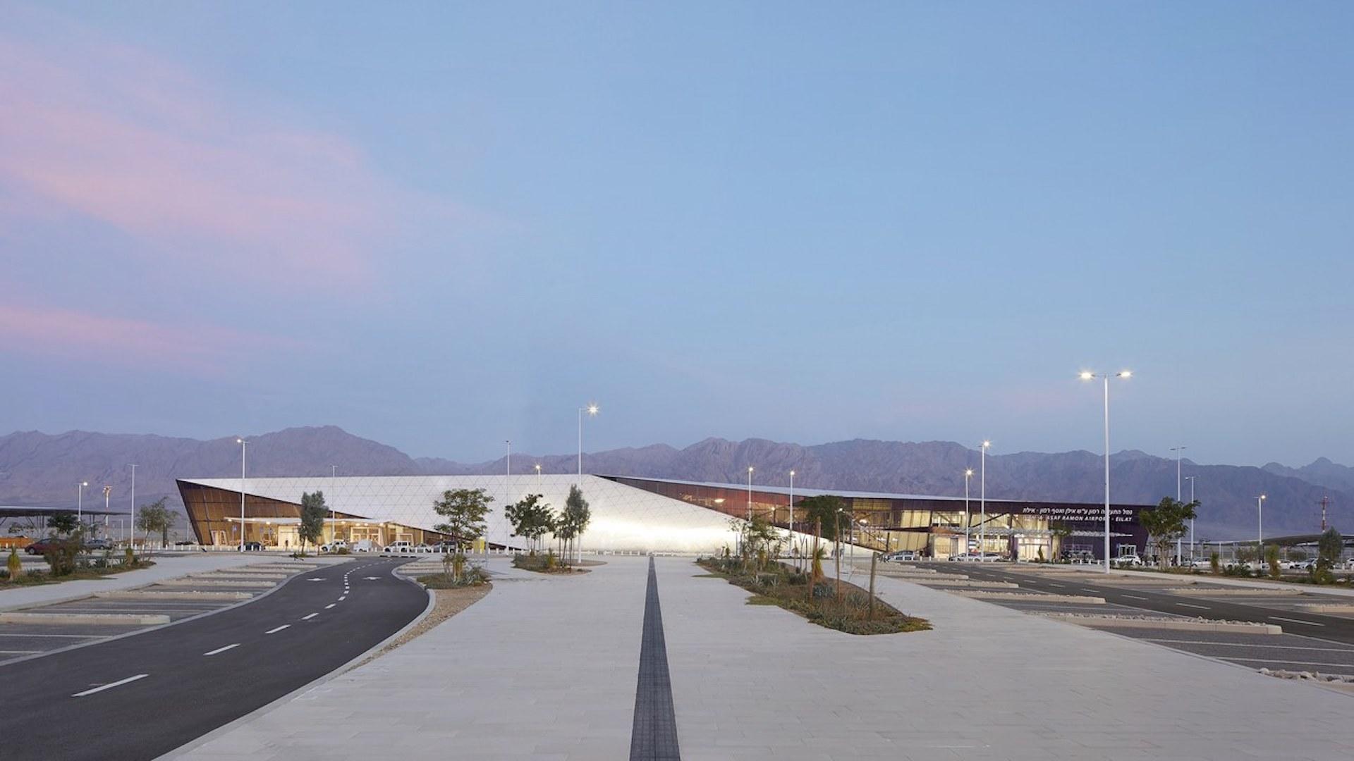 Así es el novedoso aeropuerto en Israel en el medio del desierto