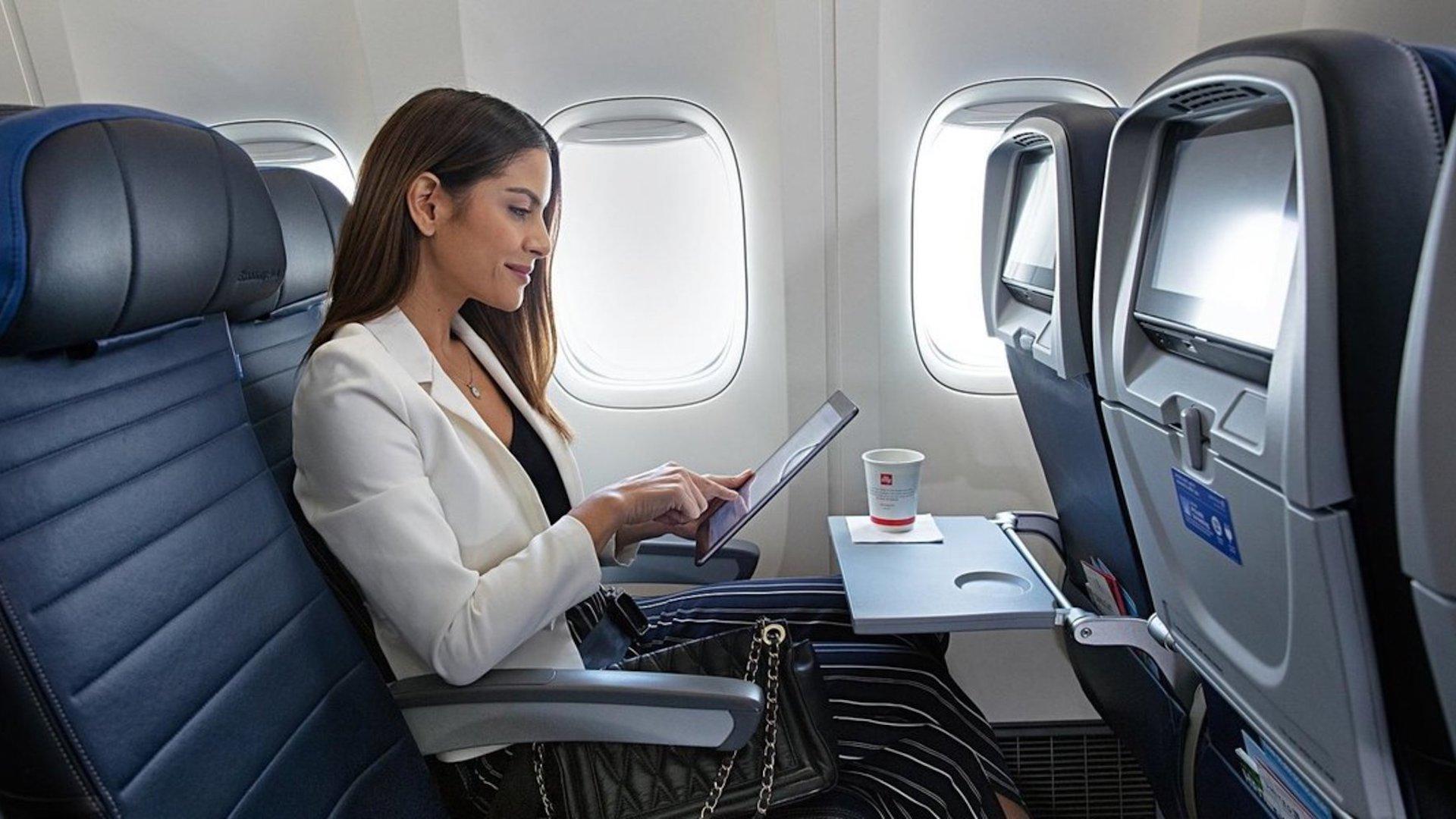United Airlines suma DirecTV gratis en sus vuelos