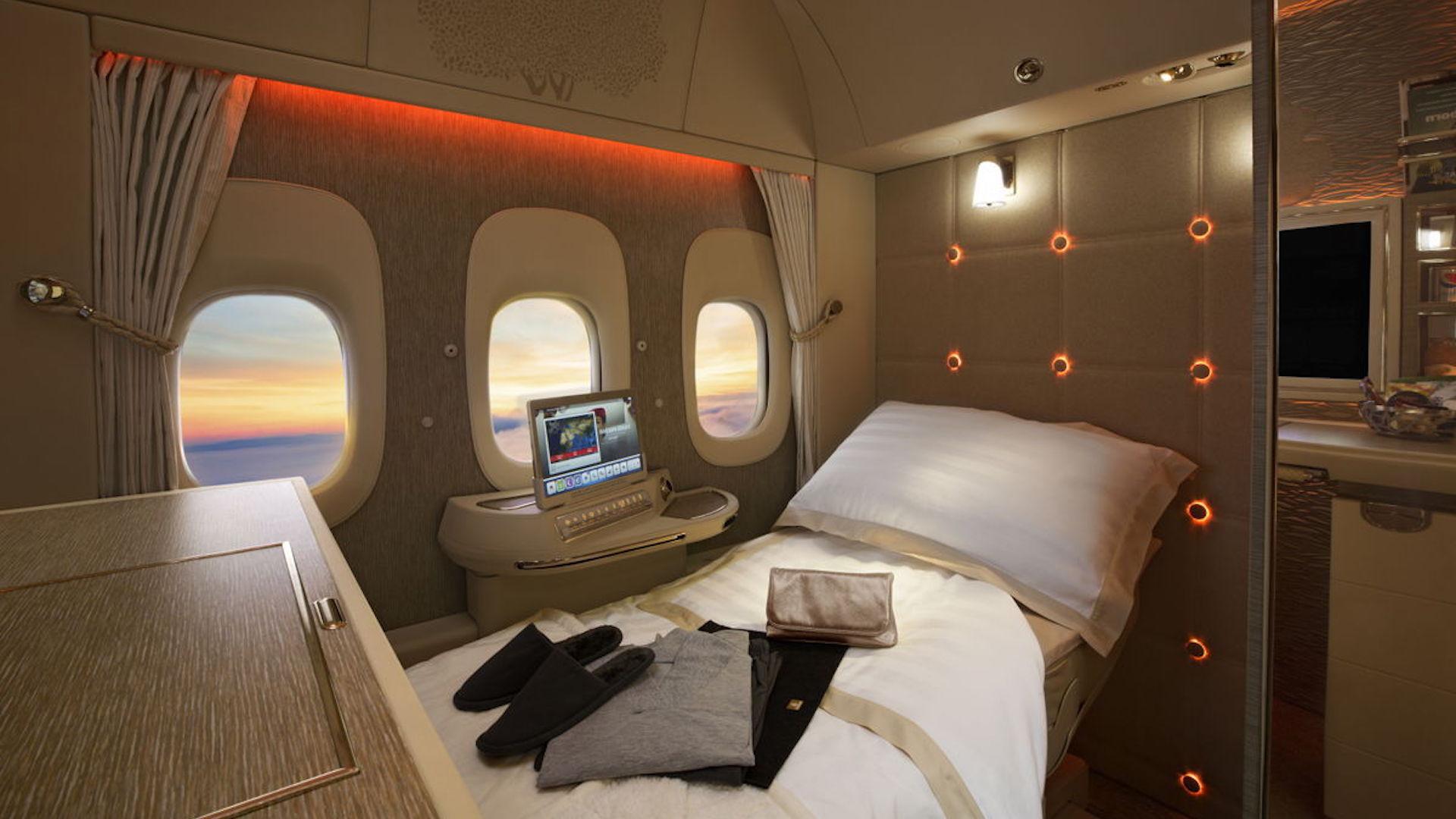 ¿Cuáles son las mejores aerolíneas en clases Turista, Premium y Business?
