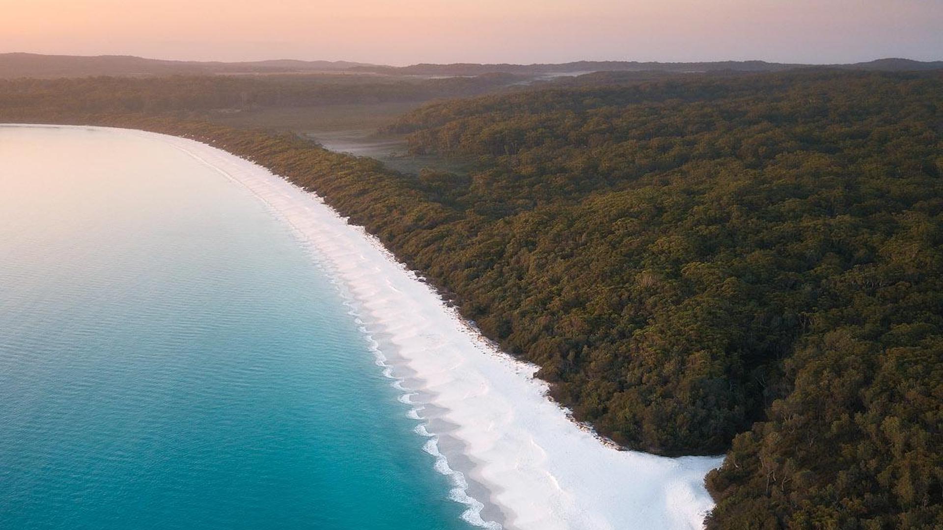 Así es Hyams Beach, en Australia: la playa con la arena más blanca del mundo