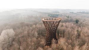 La torre de observación en forma cilíndrica que sorprende en Dinamarca