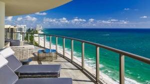 ¿Qué hacer en Bal Harbour? Playas, hoteles, paseos y compras