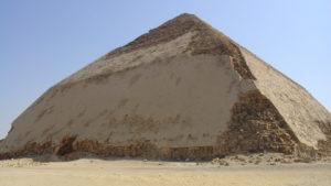 Egipto abre al público la Pirámide Doblada por primera vez en 50 años