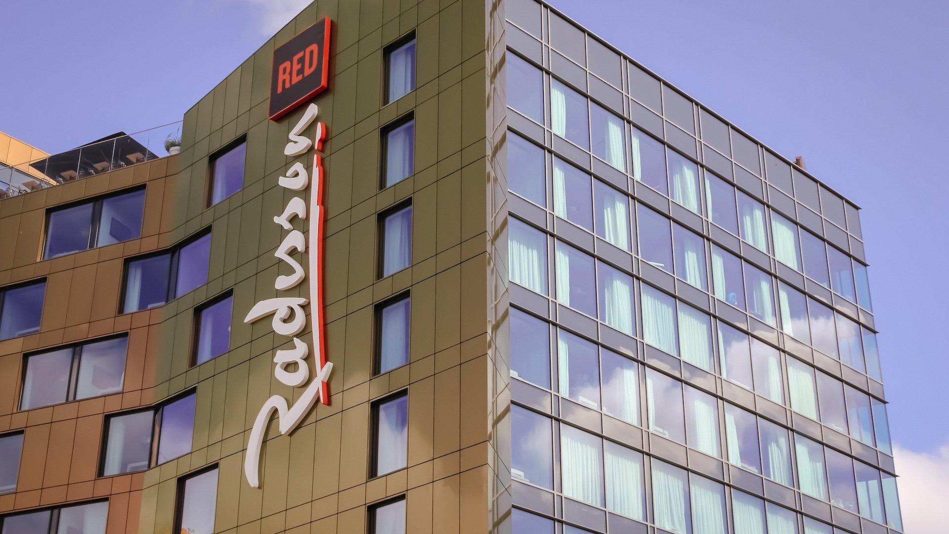 REVIEW Radisson RED Glasgow: el hotel que le da color a la ciudad