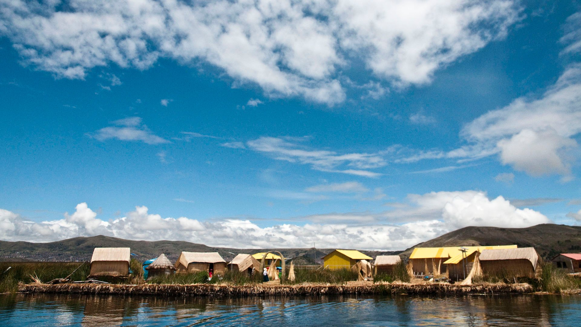 Así es Titicaca, el lago navegable más alto del mundo: imperdible