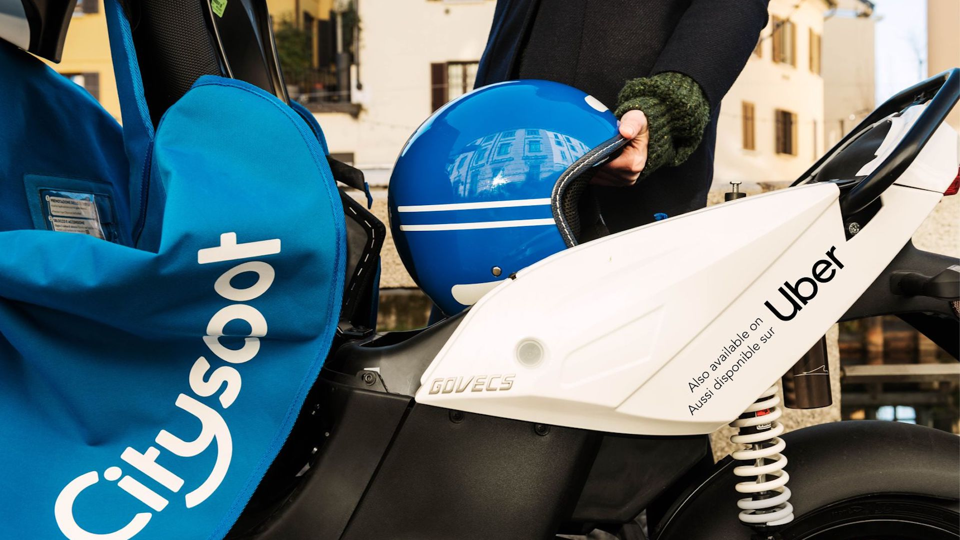 Ahora se pueden alquilar motocicletas en París con Uber