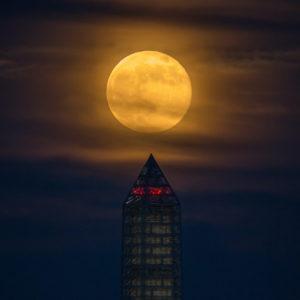 En 2020 habrá muchos eclipses y 3 Superlunas: fechas y dónde verlos