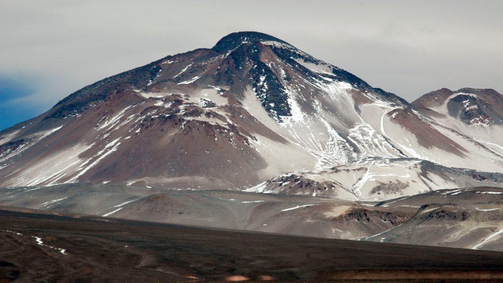 Turismo en Chile: este es el volcán más alto de la Tierra