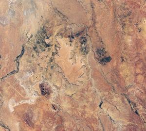 Nueva imagen de la NASA del hombre Marree, el gigantesco grabado en Australia