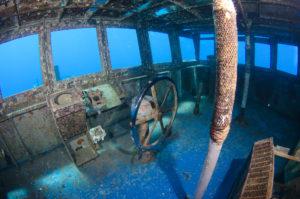 Bucear en las islas Caimán y visitar el navío hundido Kittiwake