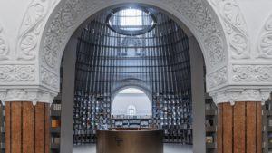 La hermosa librería dentro de una iglesia en Shanghái