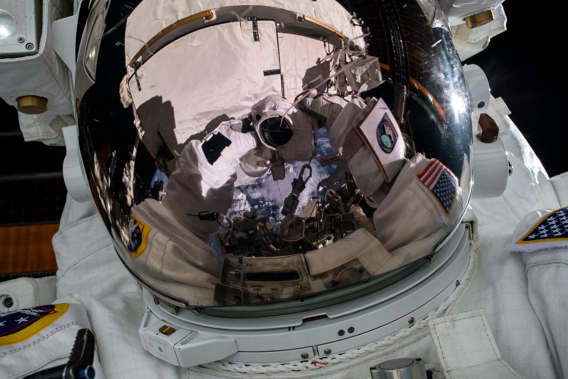 La NASA busca astronautas para explorar la Luna y Marte