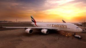 Emirates es la primera aerolínea en hacer tests por COVID-19