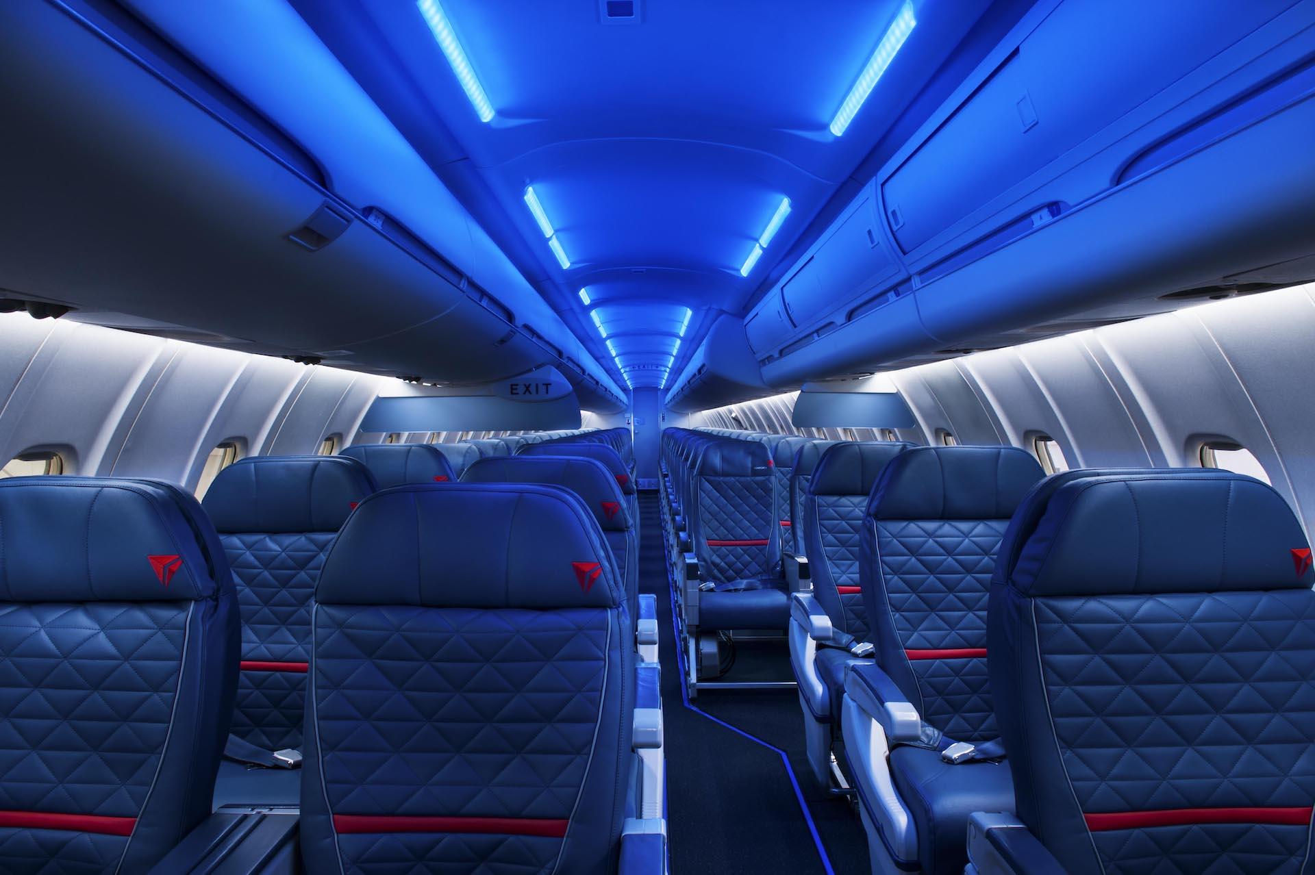 ¿Qué están haciendo las aerolíneas para que haya más distancia entre pasajeros?