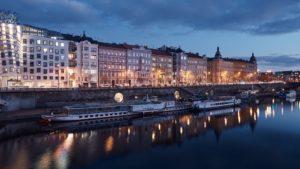 Así se ve la renovada ribera de Praga con originales bóvedas circulares