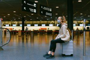 Consejos para volver a volar más seguro mientras dura el COVID-19