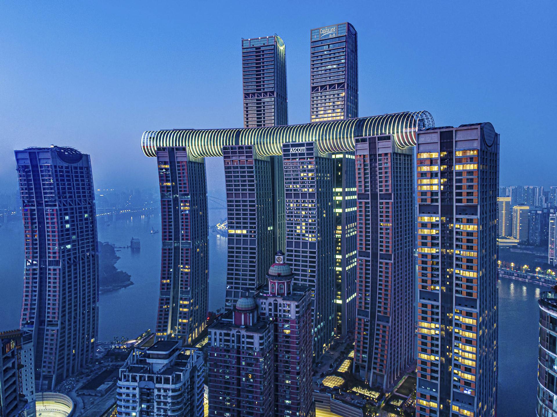 Inauguró el rascacielos horizontal The Crystal, que conecta cuatro torres