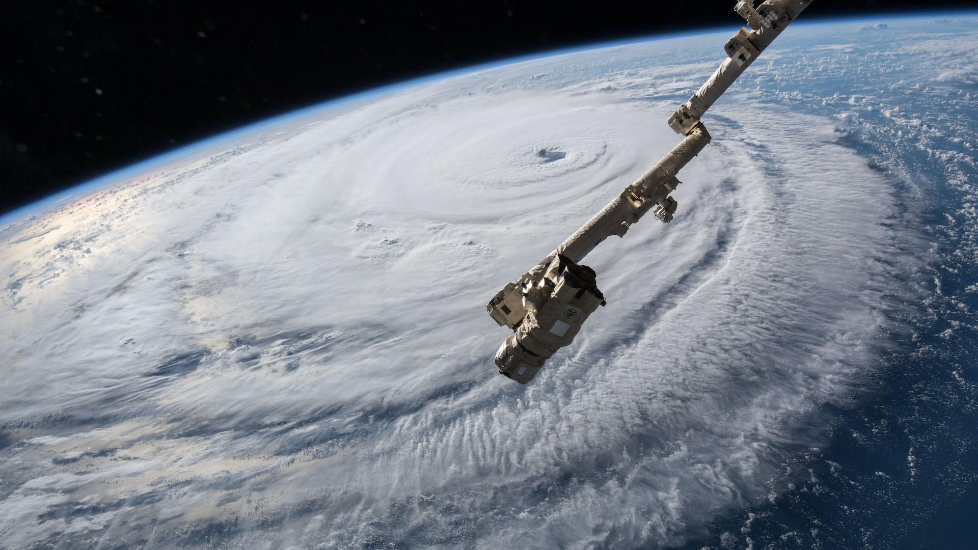 ¿Cómo se crean los nombres de los huracanes?