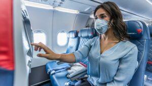 Qué llevar en el avión para viajar durante el coronavirus
