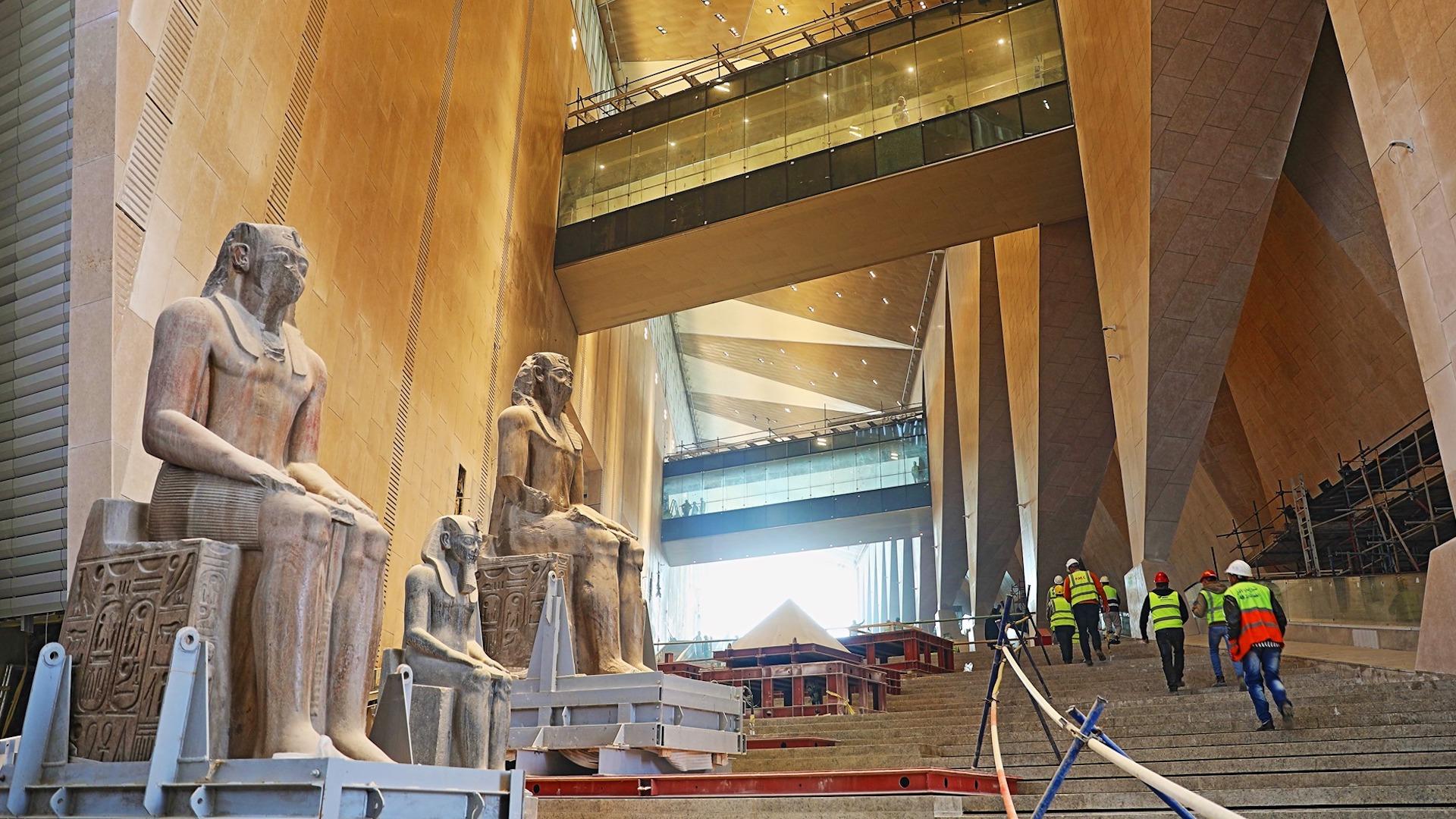 En 2021 inaugura en Giza el Gran Museo Egipcio, el más grande del mundo