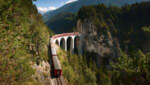 El tren en Suiza que es Patrimonio de la Unesco: Albula-Bernina