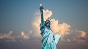Nueva York ahora pide cuarentena de 14 días a los viajeros